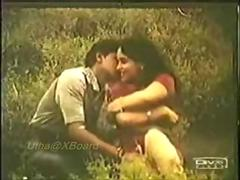Legendary Indian mallu girl Reshma go-go outdoors and ass kissed