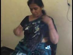 Indian of age Tamil bhabhi fucks her oversexed retrench