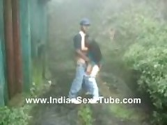 Indian software girl fuked hard n moaning in rainy outdoor g -