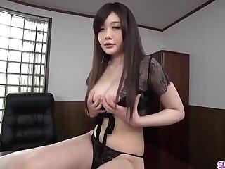 Rie Tachikawa kneels to swallow unearth then swallows jizz - Take at Slurpjp.com